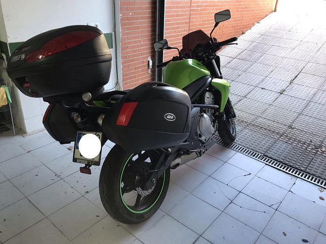 2008 KAWASAKI ER-6N moto en alquiler (3)