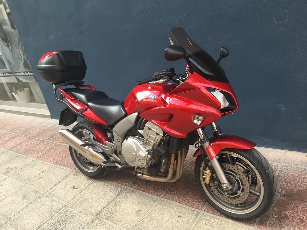 2007 HONDA CBF 1000 moto en alquiler (1)