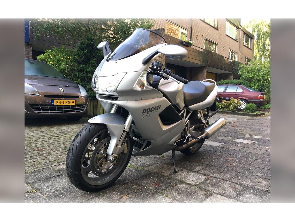 2004 Ducati ST 3 motor te huur (1)