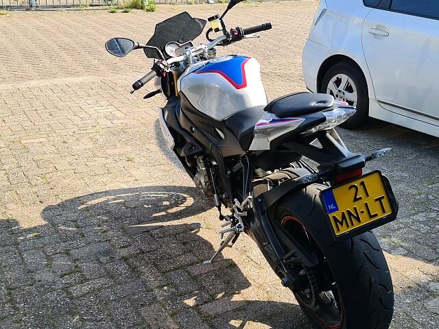 2018 BMW S 1000 R motor te huur (5)
