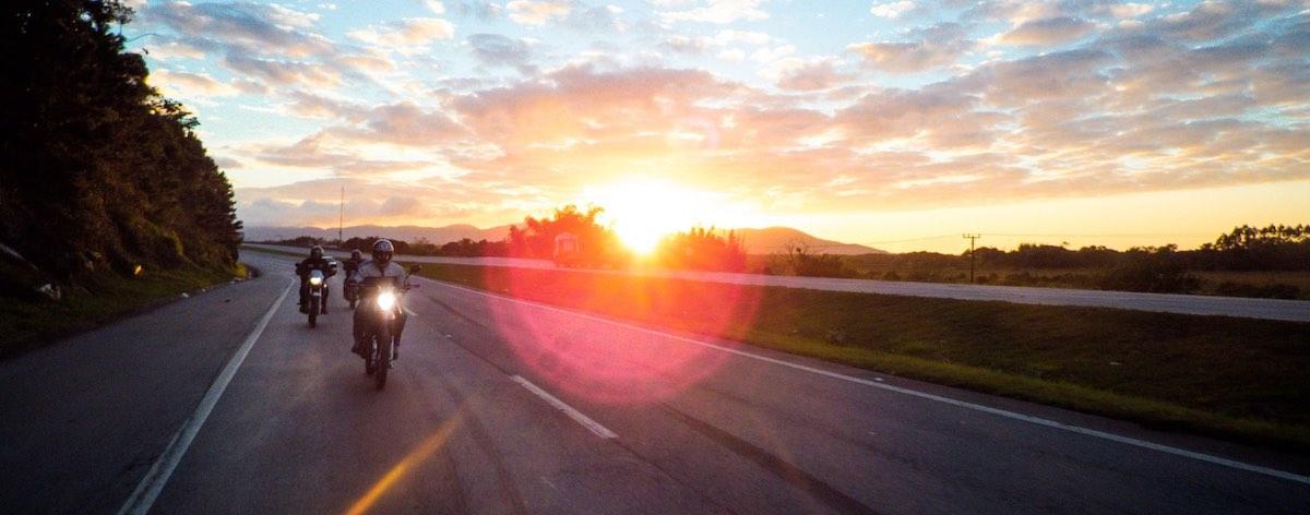 Motor zonsondergang: Motorroutes Brabant rijden