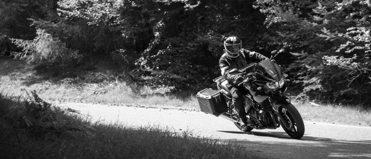 Motor in bocht: Veilig motorrijden