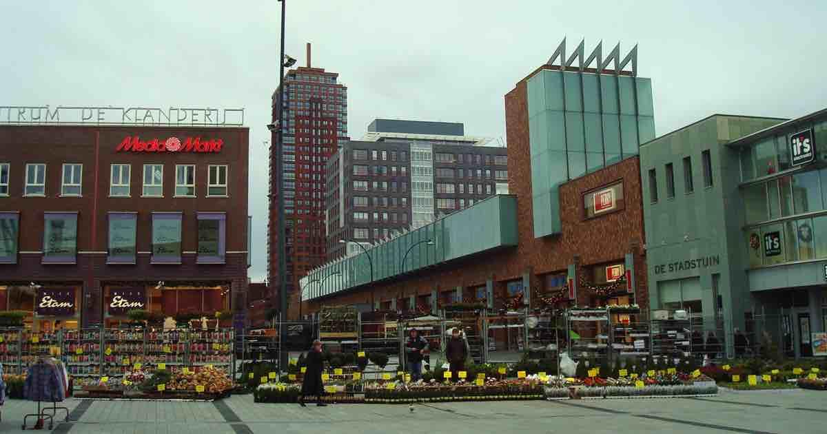 Stad met fietsen: Winkels voor motorrijders in Enschede