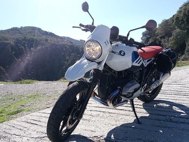2019 BMW R NineT moto en alquiler (2)