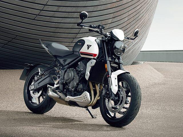 2021 Triumph Trident 660 motor te huur (1)