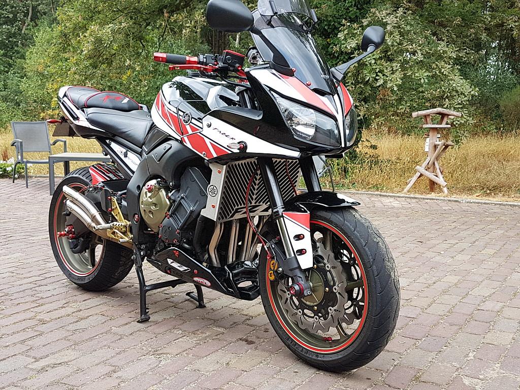 2009 Yamaha FZ1 motor te huur (1)