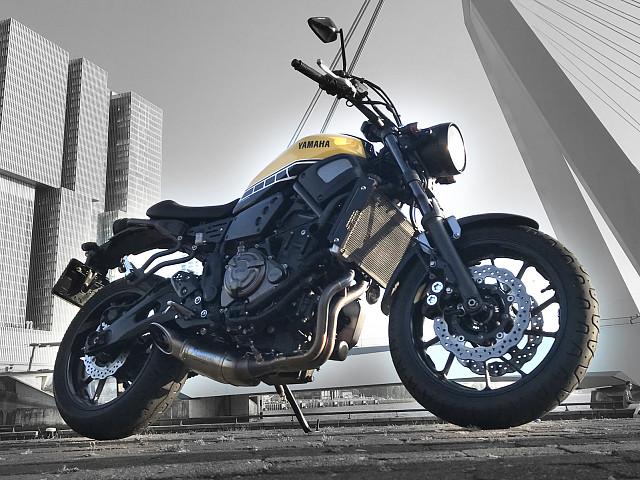 2016 YAMAHA XSR 700 moto en alquiler (1)