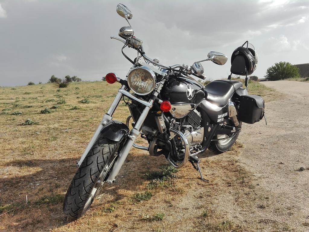 2008 KYMCO Venox moto en alquiler (1)