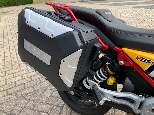 2019 MOTO GUZZI V85 TT Urban Adventurer motor te huur (5)