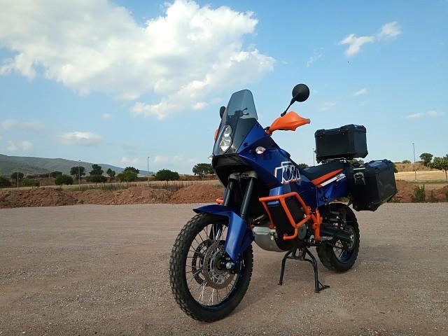 2012 KTM 990 Adventure moto en alquiler (1)