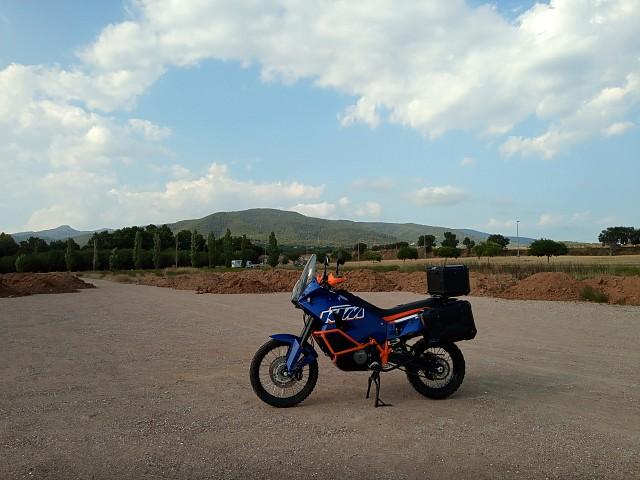 2012 KTM 990 Adventure moto en alquiler (2)