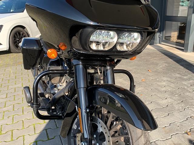 2018 Harley-Davidson Road Glide motor te huur (2)