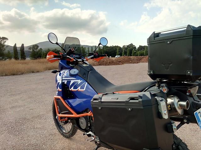 2012 KTM 990 Adventure moto en alquiler (4)