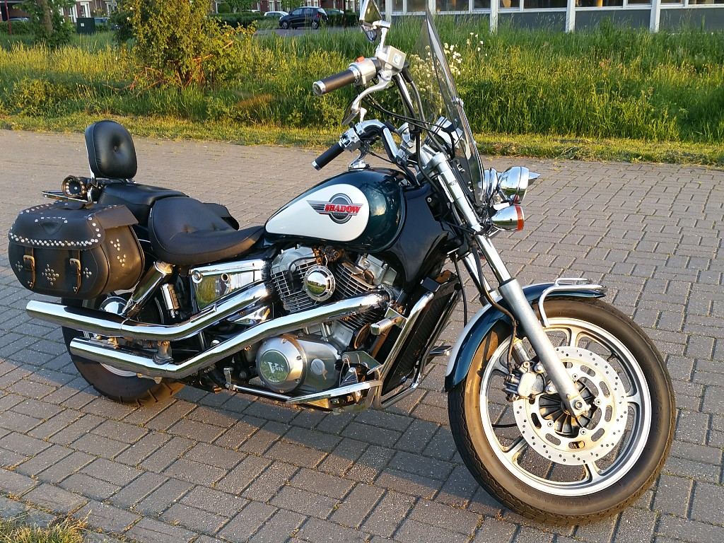 HONDA Shadow 1100 motor #1