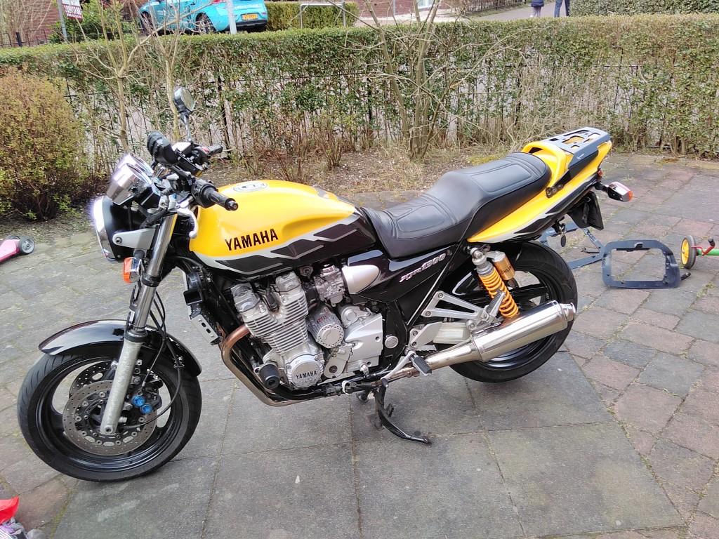 YAMAHA XJR 1300 motor #1