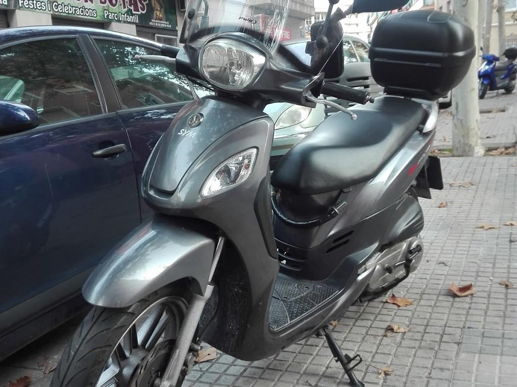 2014 SYM Phony moto en alquiler (1)