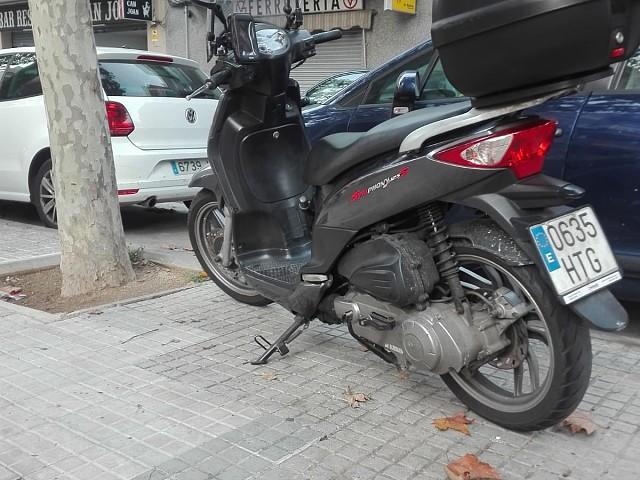 2014 SYM Phony moto en alquiler (3)