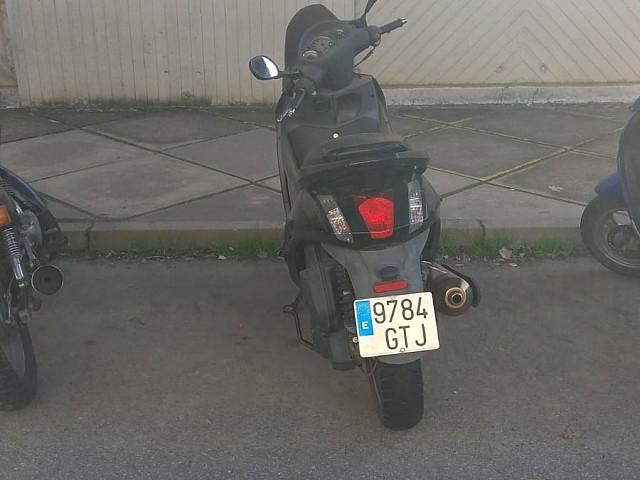 2007 PEUGEOT Geopolis 125 RS moto en alquiler (2)
