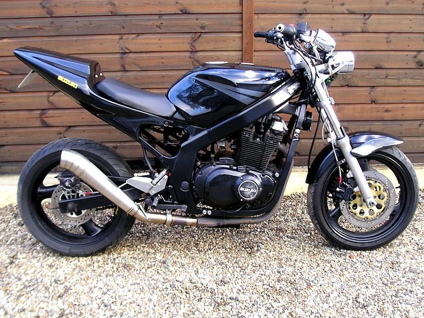Suzuki CS 500 moto en alquiler (1)