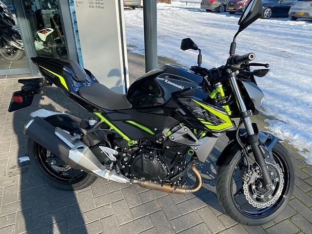 2020 Kawasaki Z400 motor te huur (1)