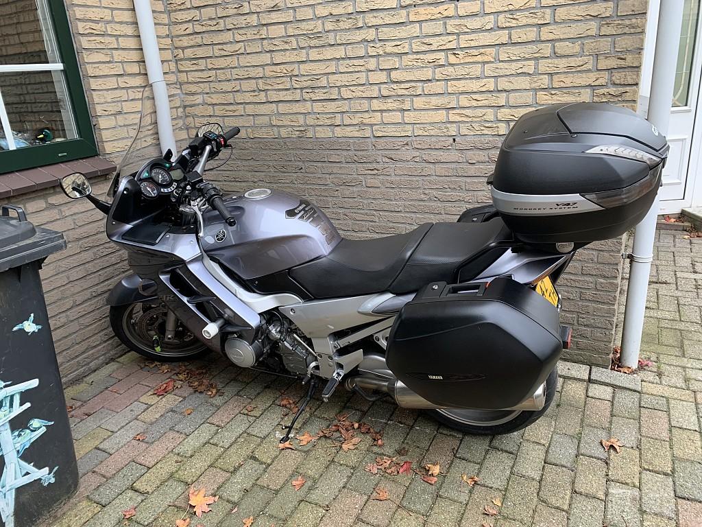 2005 Yamaha FJR 1300 motor te huur (1)