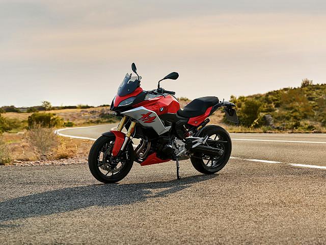 2020 BMW F 900 XR motor te huur (1)