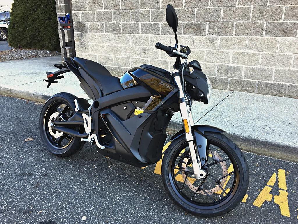 2018 ZERO MOTORCYCLES DSR ZF 14.4 moto en alquiler (1)