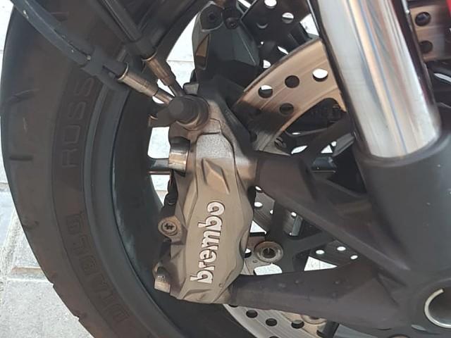 2016 DUCATI Monster 821 moto en alquiler (4)