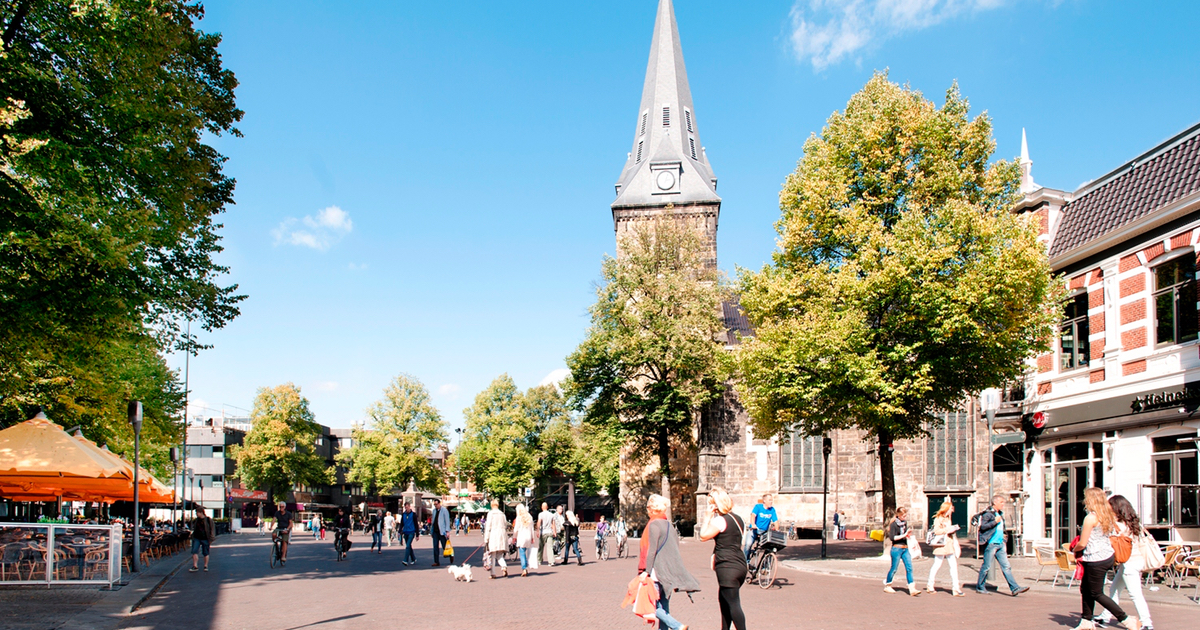 Stad met mensen: Zeker doen in Enschede op de motor