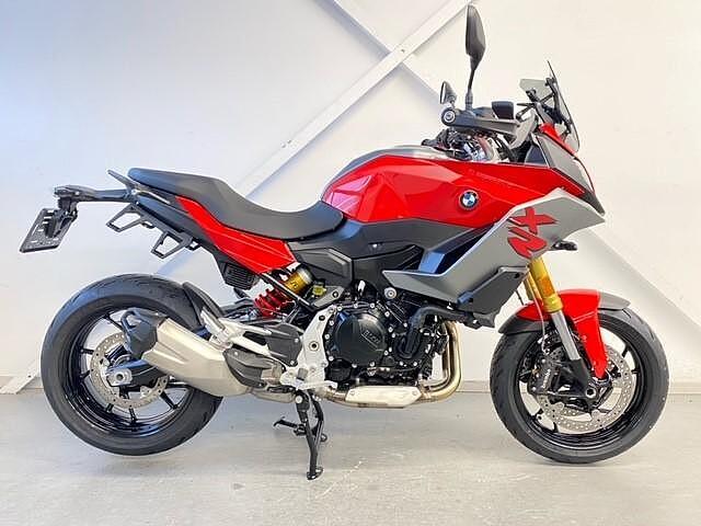 2021 BMW F900 XR motor te huur (1)