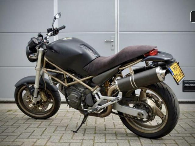 2000 Ducati Monster 750 motor te huur (2)