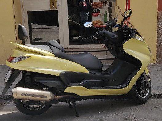 2007 YAMAHA Majesty 400 moto en alquiler (1)