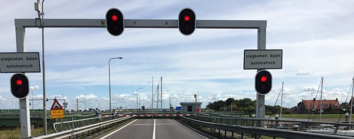 Weg in Nederland: Bas huurt de BMW R1200RT van Mathijs.