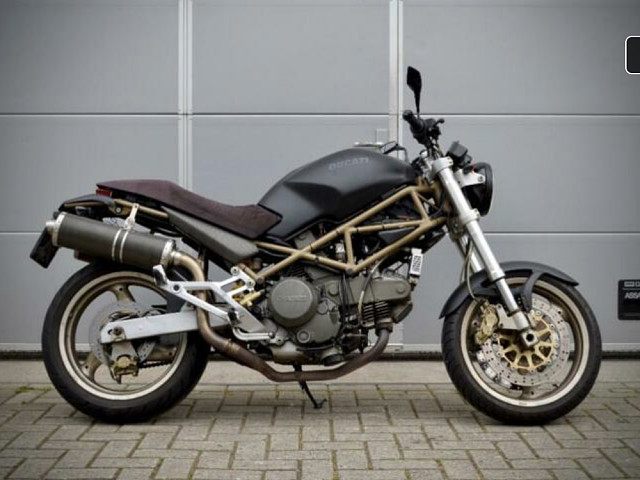 2000 Ducati Monster 750 motor te huur (3)