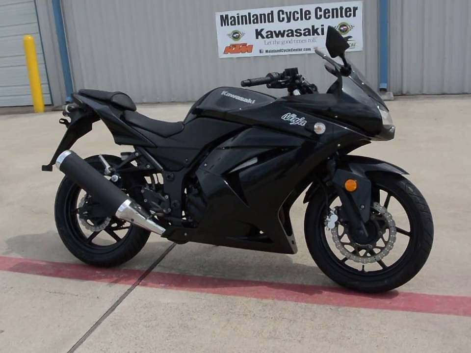 2008 KAWASAKI Ninja 250R  moto en alquiler (1)