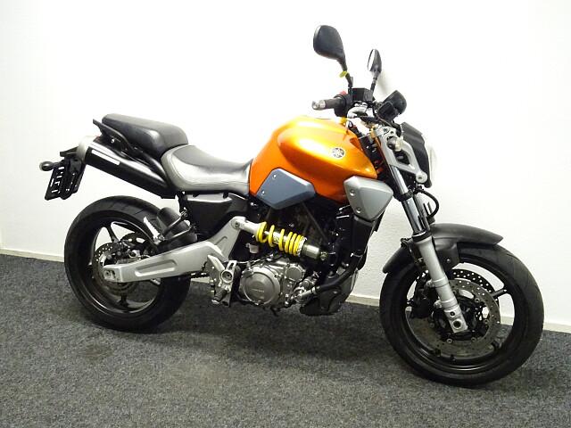 2007 Yamaha MT03 motor te huur (3)