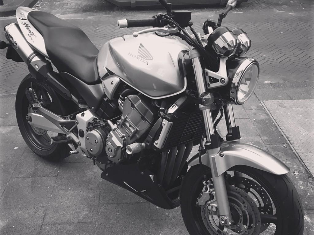 2006 Honda CB 900 motor te huur (1)