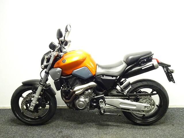 2007 Yamaha MT03 motor te huur (2)