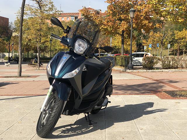 2018 Piaggio Medley S moto en alquiler (1)