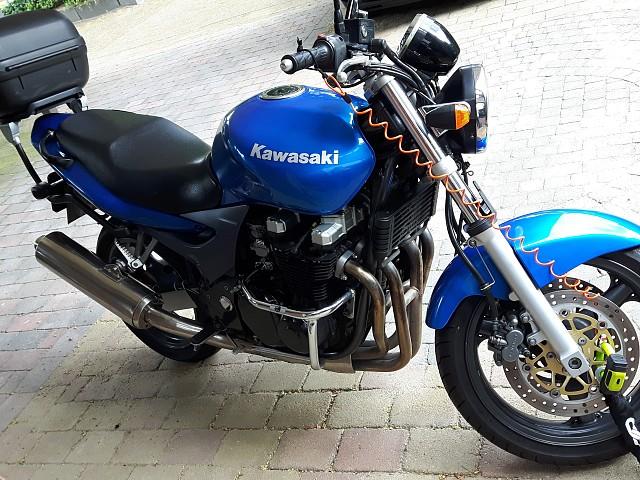 2002 KAWASAKI ZR7 motor te huur (2)