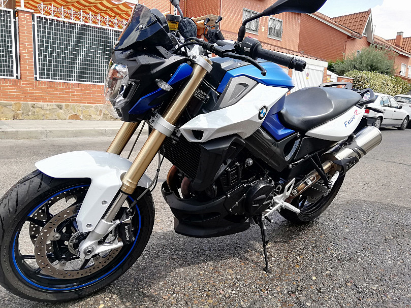 2016 BMW F 800 R moto en alquiler (1)