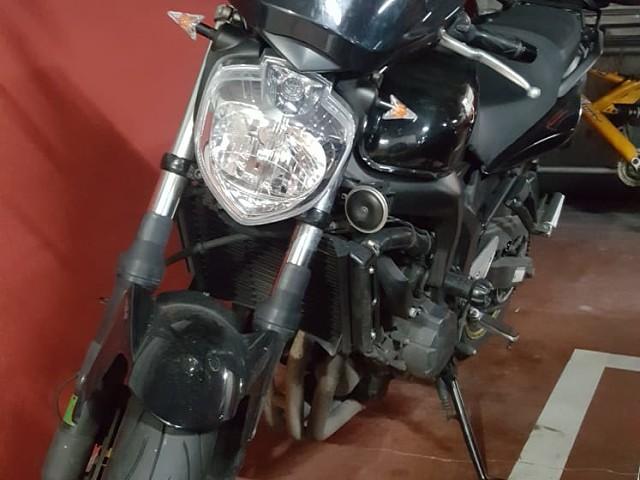 2009 YAMAHA FZ6 moto en alquiler (3)