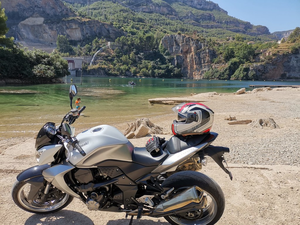 2010 KAWASAKI Z1000 moto en alquiler (1)
