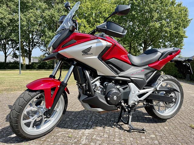2016 Honda NC 750 X motor te huur (2)