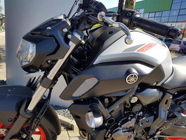 YAMAHA MT-07 motor te huur (2)