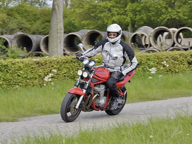 1996 Suzuki GSF 600 Bandit motor te huur (2)