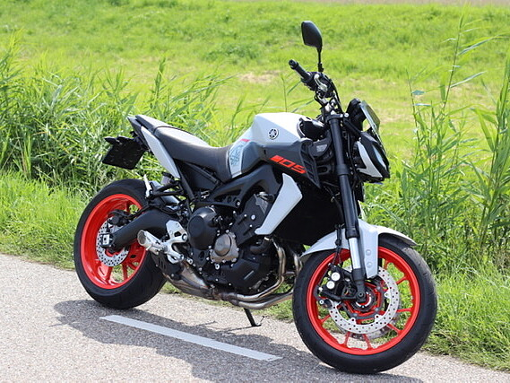 2020 Yamaha MT 09 motor te huur (1)