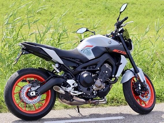 2020 Yamaha MT 09 motor te huur (2)