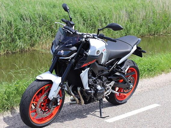 2020 Yamaha MT 09 motor te huur (4)