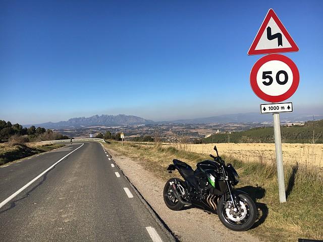 2016 KAWASAKI Z800 moto en alquiler (4)